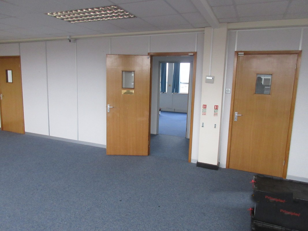 Image 4 of Various Office Suites