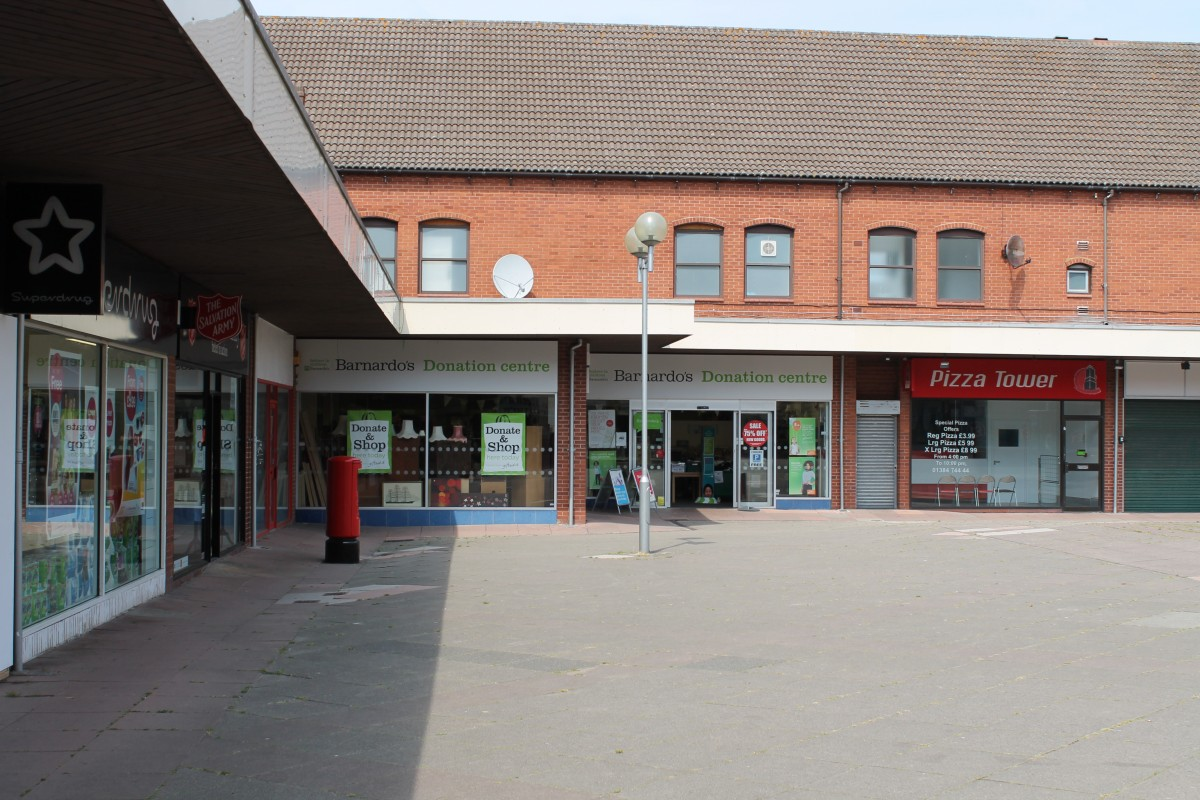 Image 4 of Range of retail units