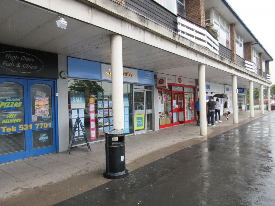 Image 3 of Range of retail units
